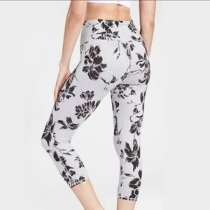 Athleta Gray Mongolia Chaturanga Legging small
